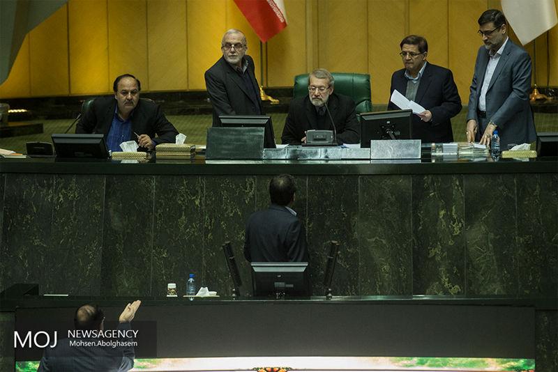 همه مدیران بازنشسته در مجلس کنار گذاشته شدهاند