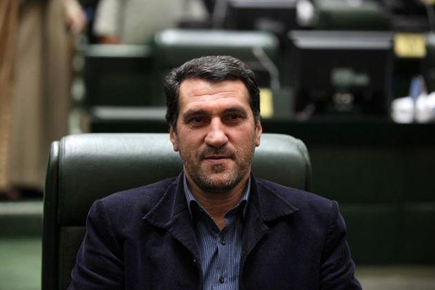 تَرَک برداشتن جایگاه مجلس و ریاست جمهوری بین مردم