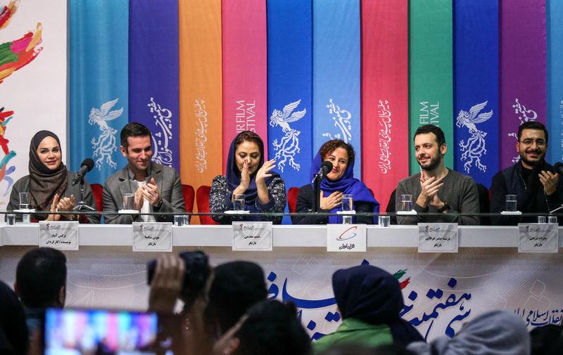 حواشی روز پنجم جشنواره فیلم فجر؛خبرنگاران به دنبال صندلی خالی برای فیلم دیدن!