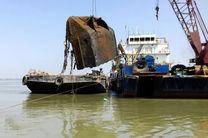 """خارج سازی شناور مغروقه """"تنگسیر"""" از عمق 17 متری خلیج فارس"""