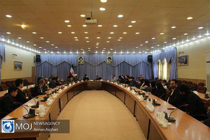 نشست استاندار اردبیل با اعضای جبهه ایستادگی