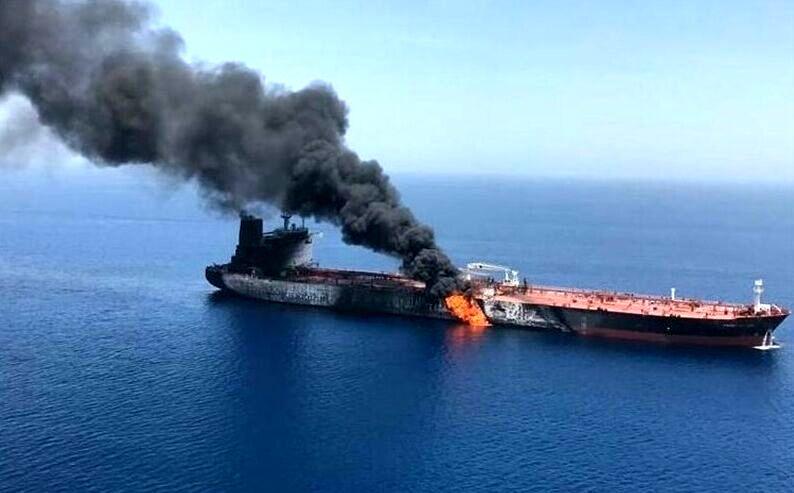 آخرین خبر از وضعیت خدمه و نفتکش آسیب دیده ایرانی