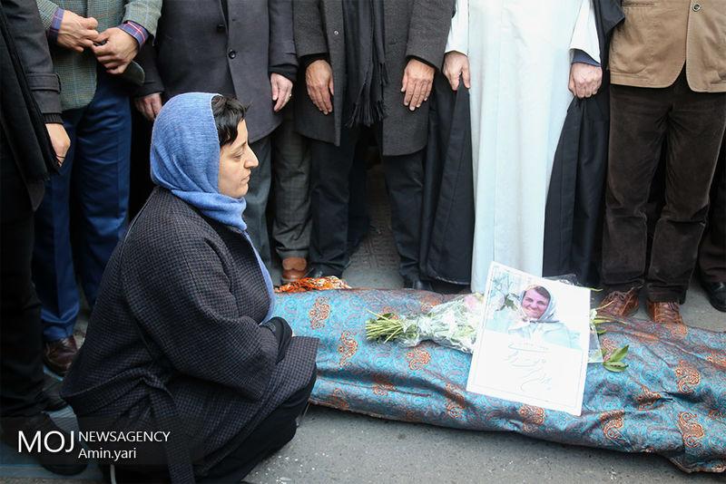 دولت در مراسم تشییع همسر دکتر شریعتی مفقود بود!