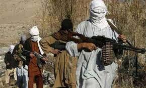فرمانده طالبان خود را تسلیم کرد