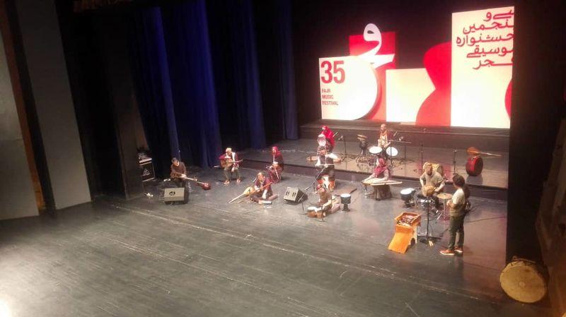رستاک قطعاتی از آلبوم جدیدش را در تالار وحدت رونمایی کرد