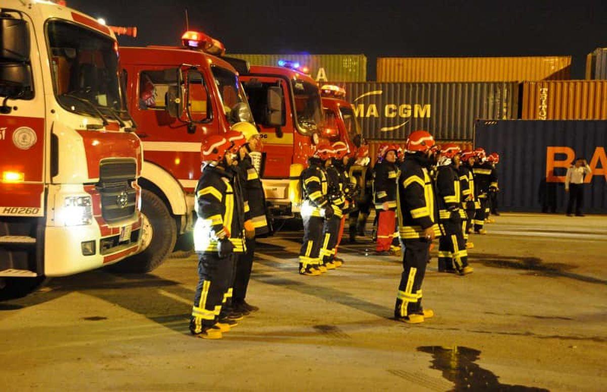 حضور آتش نشانان قم، در خط مقدم امداد و کاهش حوادث چهارشنبه سوری