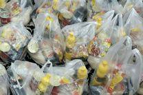 بستههای غذایی اهدایی سپاه پاسداران در میان اقشار کم درآمد شهر توزیع شد