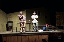 حضور بازیگران کشوری در اجرای تئاتر استانی بر افزایش مخاطبان تاثیرگذار است