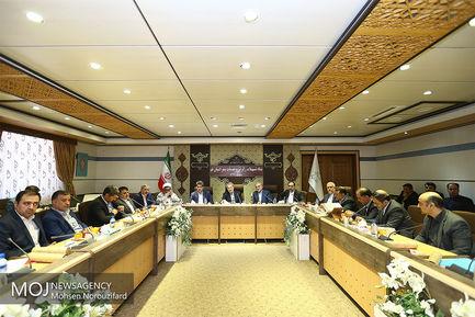 بازدید نوروزی علی لاریجانی از ستاد تسهیلات زائران و خدمات سفر قم
