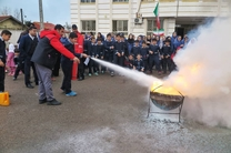 مانور آموزشی زلزله و امداد و نجات در سطح مدارس منطقه آزاد انزلی