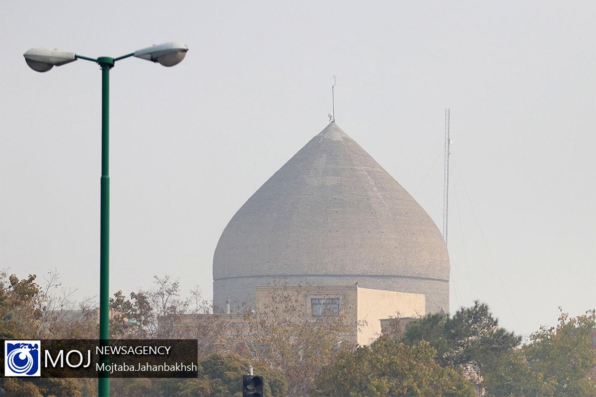 هوای اصفهان ناسالم برای عموم مردم / شاخص کیفیت هوا 151