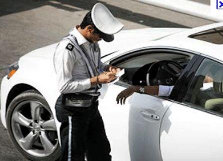 جریمه 50 هزار تومانی در انتظار رانندگان متخلفی که از شیشههای دودی استفاده میکنند
