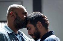 اکبر عبدی و سحر قریشی با اتومبیل در راه جشنواره فجر ۳۹