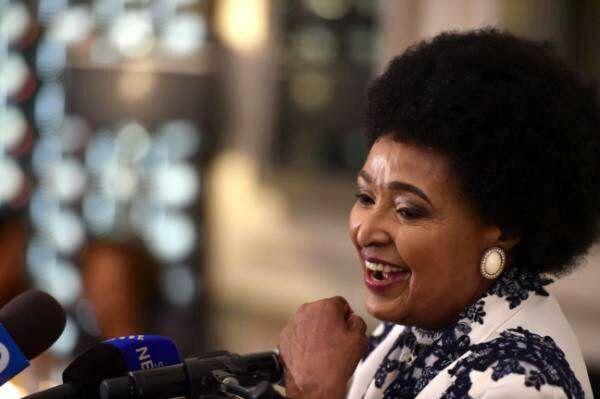 ظریف درگذشت همسر نلسون ماندلا را تسلیت گفت