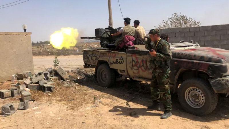 """نیروهای خلیفه حفتر به شهر """"سرت"""" لیبی حمله هوایی کردند"""