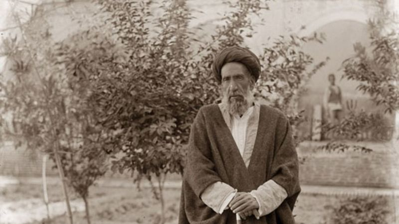 مرحوم مدرس با جمهوریت قلابی رضا خان مخالفت کرد