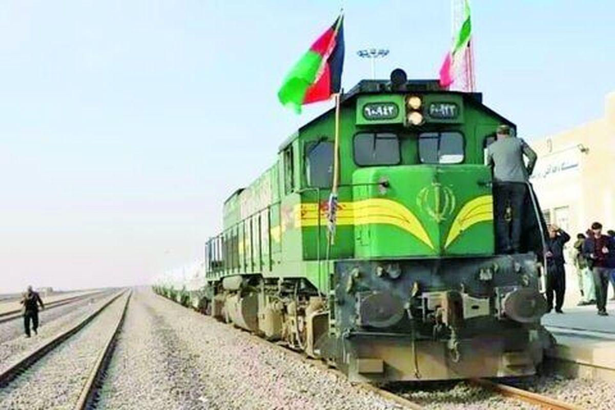 آغاز مراسم بهره برداری از راه آهن خواف-هرات با حضور رؤسای جمهور ایران و افغانستان