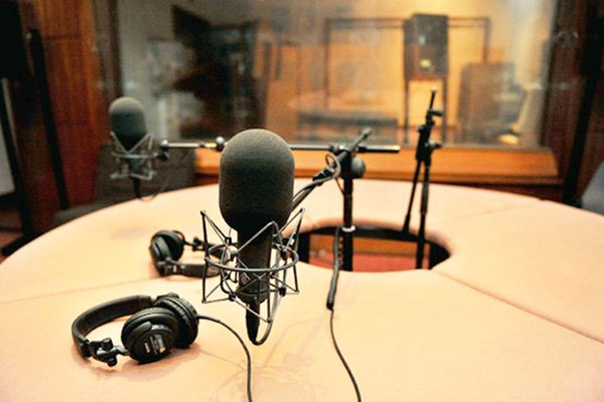 تدارک صدها عنوان برنامه رادیویی در استانها به مناسبت دهه فجر