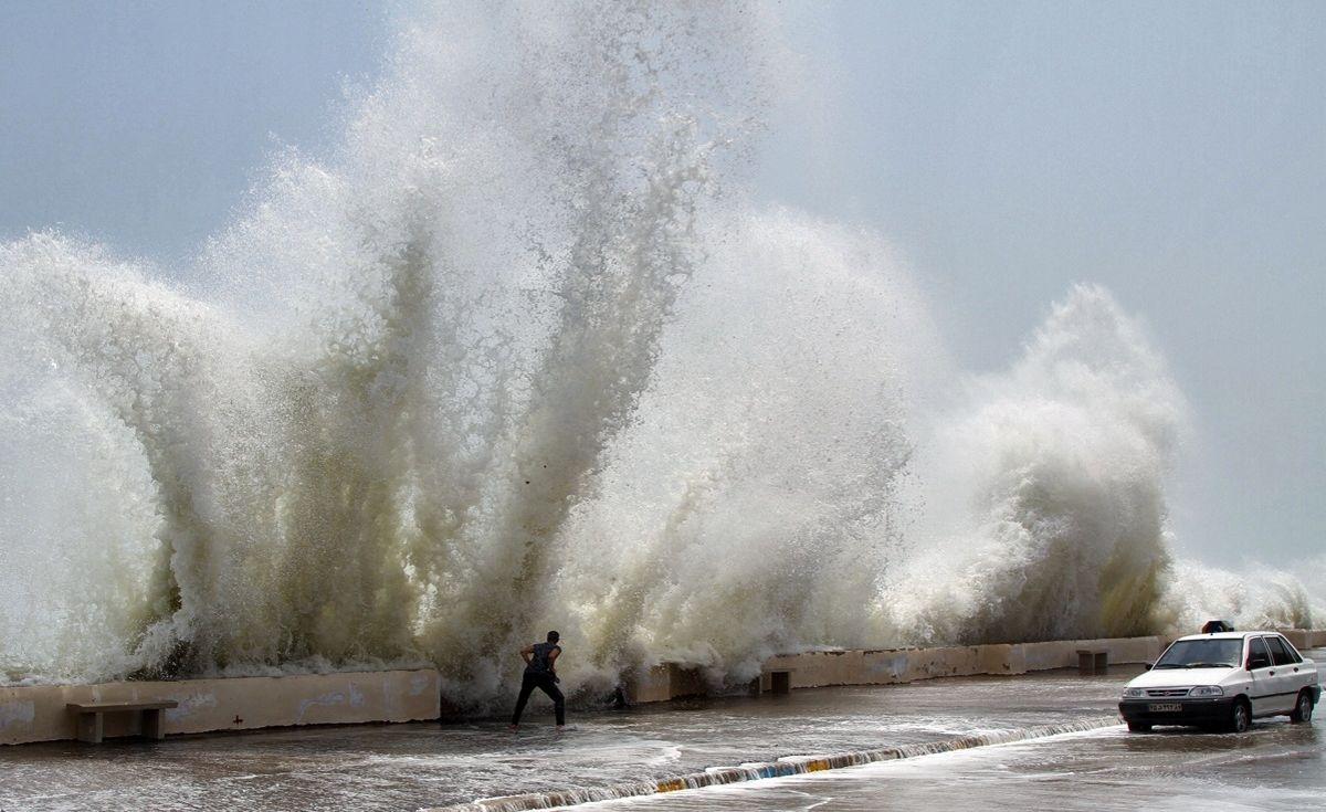 کاهش دما در هرمزگان/ خودداری شناورهای سبک از تردد در دریای عمان و تنگه هرمز