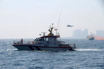 نخستین مانور جستجو و نجات دریایی در آب های کیش برگزار شد