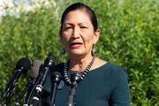 یک زن سرخپوست وزیر کشور آمریکا شد
