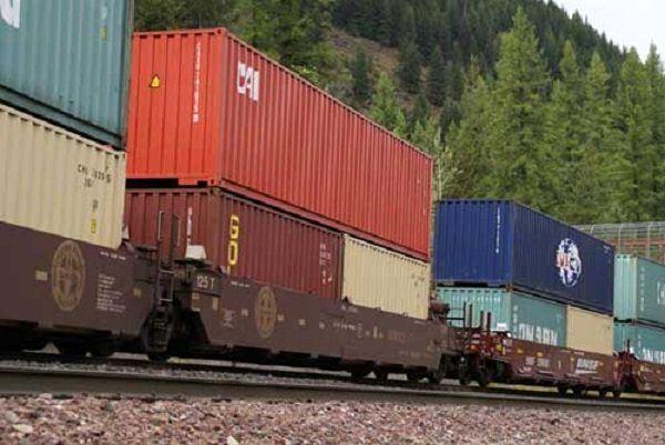 میزان ترانزیت کالا از راه آهن جنوب شرق افزایش یافته است