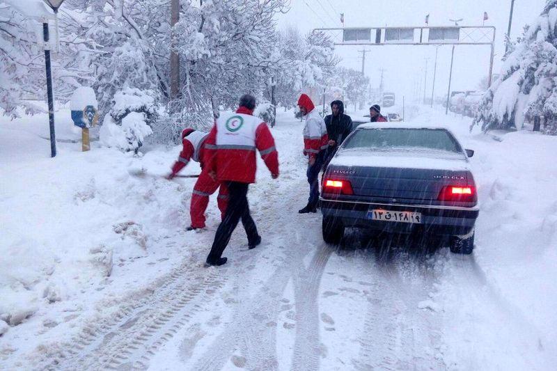 توصیه های ایمنی جمعیت هلال احمر استان اصفهان برای مواجهه با برف و کولاک