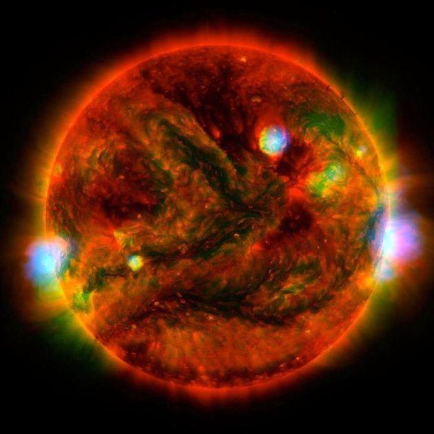 وقتی 3 تلسکوپ بزرگ همزمان خورشید را رصد میکنند