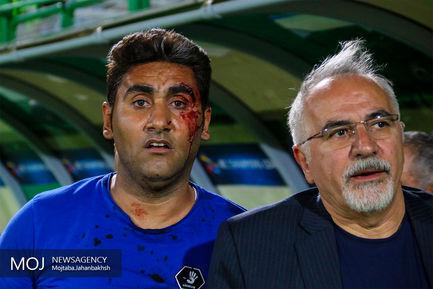 دیدار تیم های فوتبال ذوب آهن اصفهان و استقلال تهران