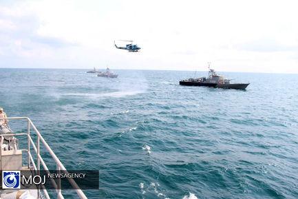 تمرین نیروی دریایی ارتش در آب های خزر