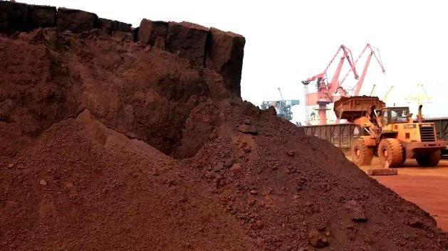افزایش قاچاق خاک/ منابع ملی فروشی نیست