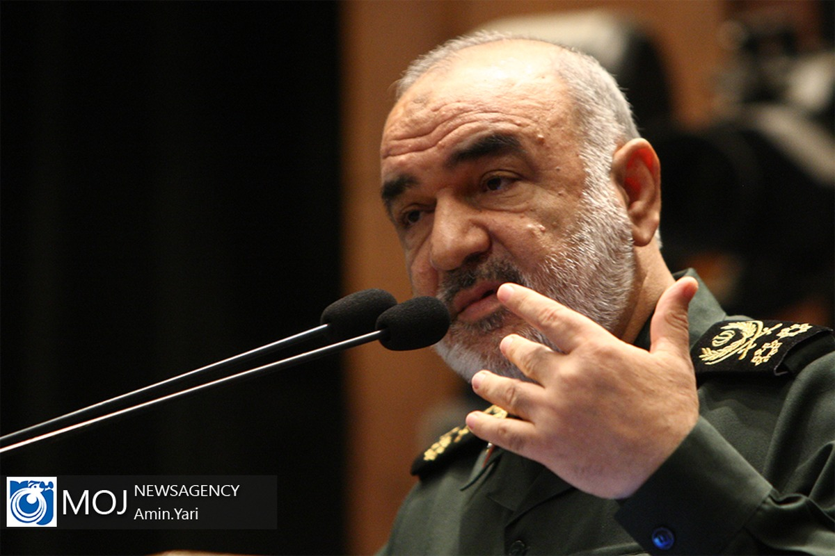 مردم ایران ماجرای کرونا را به حماسه تاریخی تبدیل کردند