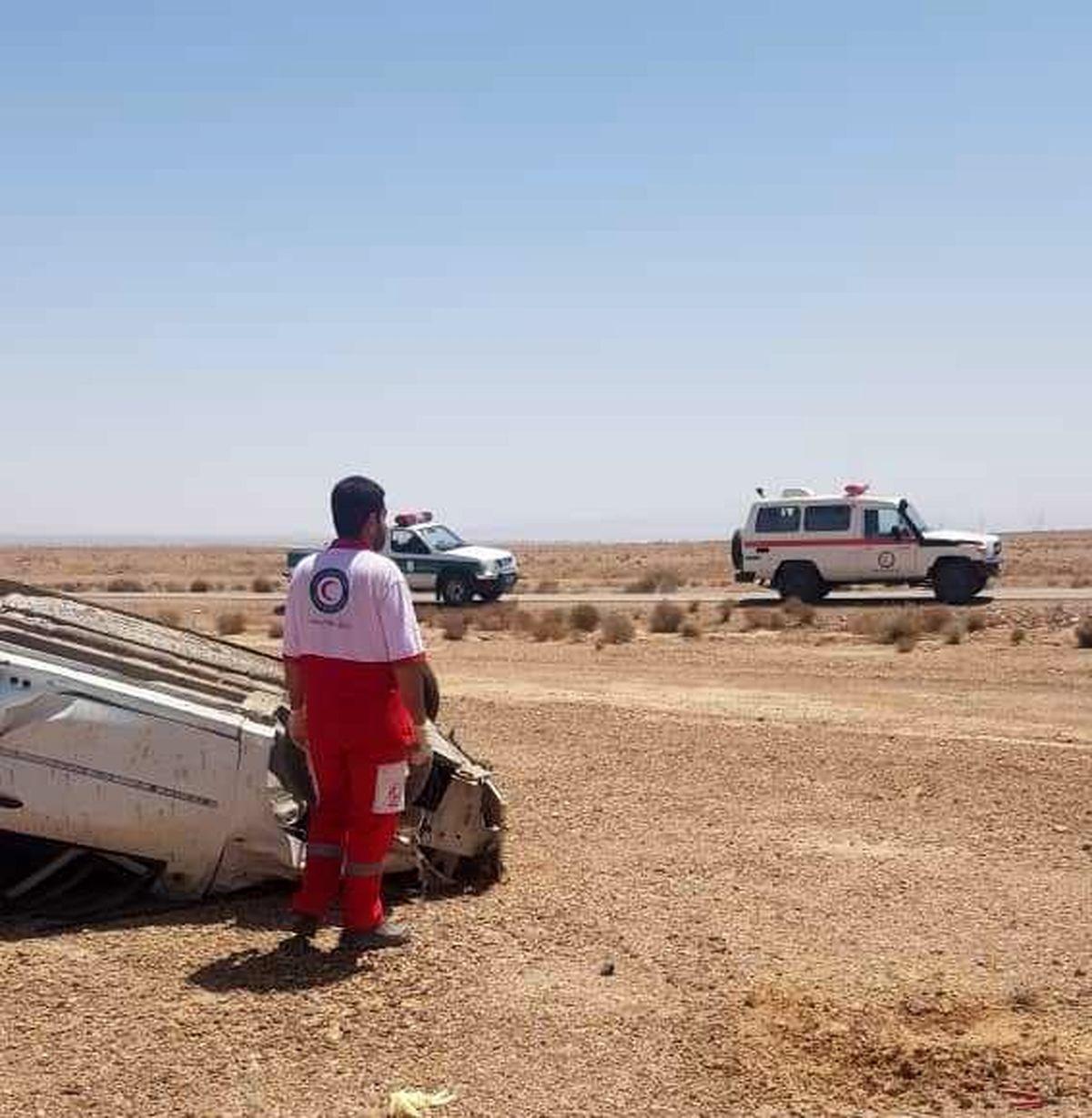 یک مصدوم و یک فوتی در حادثه واژگونی خودرو سواری ال 90 در محور اردکان به نایین