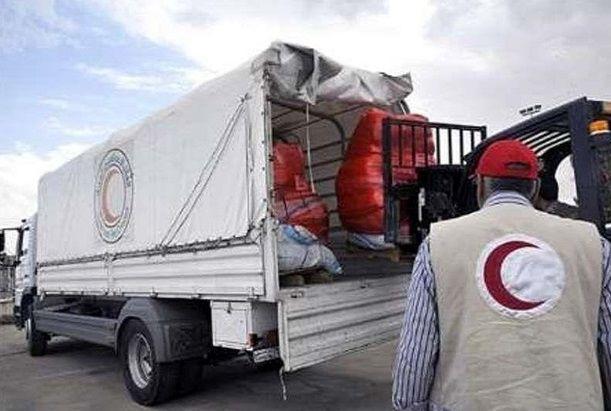 کمک های اهدایی کشور جمهوری آذربایجان به سیل زدگان تحویل هلال احمر داده شد