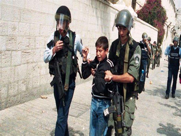 یورش نظامیان صهیونیست به منازل فلسطینی ها در کرانه باختری