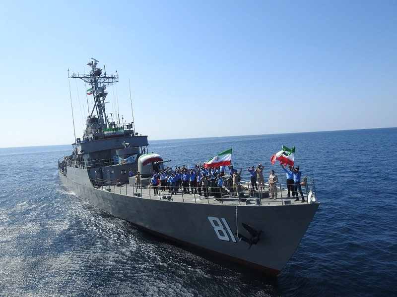 فریاد مرگ بر آمریکا کارکنان ناوگروه نیروی دریایی ارتش در آبهای آزاد
