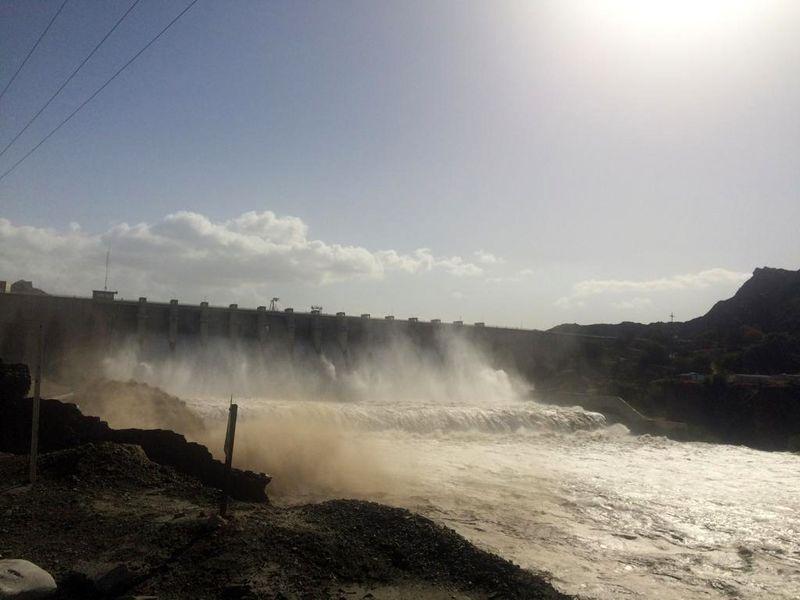 مردم از تجمع در حاشیه رودخانه های پایین دست سد استقلال میناب پرهیز کنند
