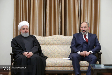 دیدار نخست وزیر ارمنستان با مقام معظم رهبری