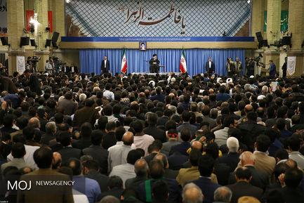 دیدار جمعی از مداحان و ذاکران اهل بیت(ع) با مقام معظم رهبری