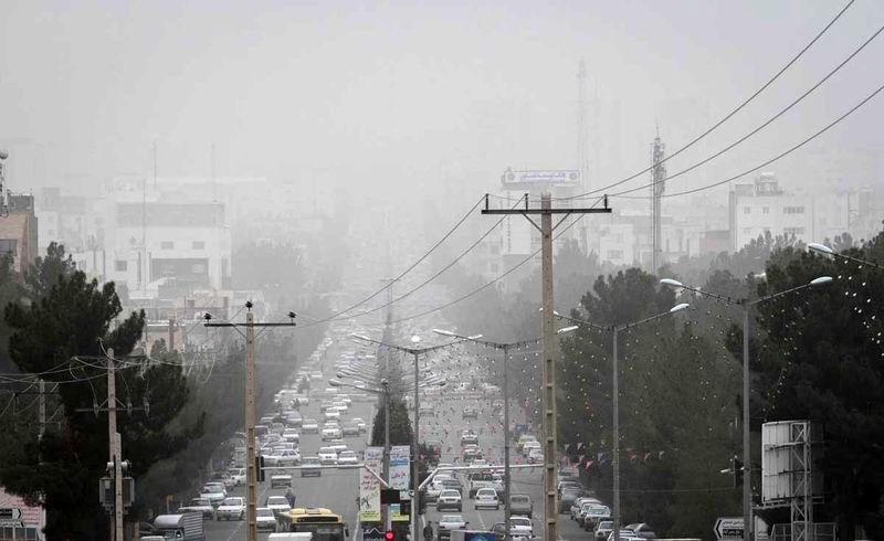 بیش از ۸۰ درصد آلودگی هوا ناشی از تردد خودروها است
