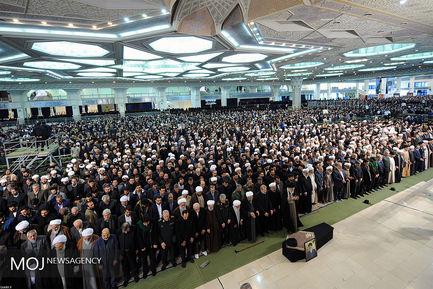 اقامه نماز بر پیکر مرحوم آیت الله هاشمیشاهرودی