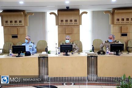 دیدار جمعی از فرماندهان ارتش با وزیر راه و شهرسازی