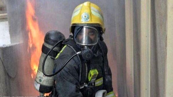 حریق در ساختمان مسکونی چهار طبقه/ نجات ۲۰ نفر از میان دود و آتش