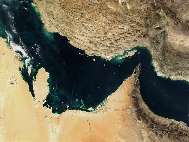 فاضلاب صنعتی یا شهری؟ متهم کردن راهگشا نیست / خلیج فارس در انتظار آگاهی زیست محیطی