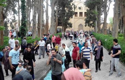 بازدید بیش از 190 هزار گردشگر داخلی و خارجی از بناهای تاریخی و جشنواره گلاب در کاشان