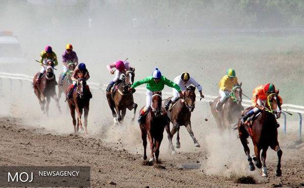 هفته سوم مسابقات اسبدوانی بندرترکمن برگزار شد