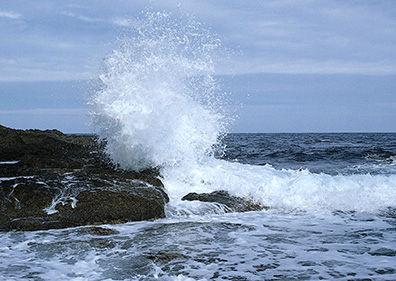 تردد دریایی در تنگه هرمز و دریای عمان با احتیاط صورت پذیرد