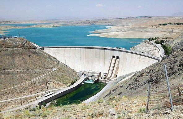 کاهش ذخیره سد زاینده رود به 126 میلیون متر مکعب / کاهش 81 درصدی حجم ذخیره شده  در بلند مدت