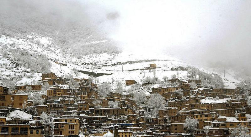 بارش باران در جلگه و برف در کوهستان های گیلان