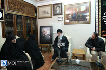 حضور رهبر معظم انقلاب در منزل سردار شهید سلیمانی